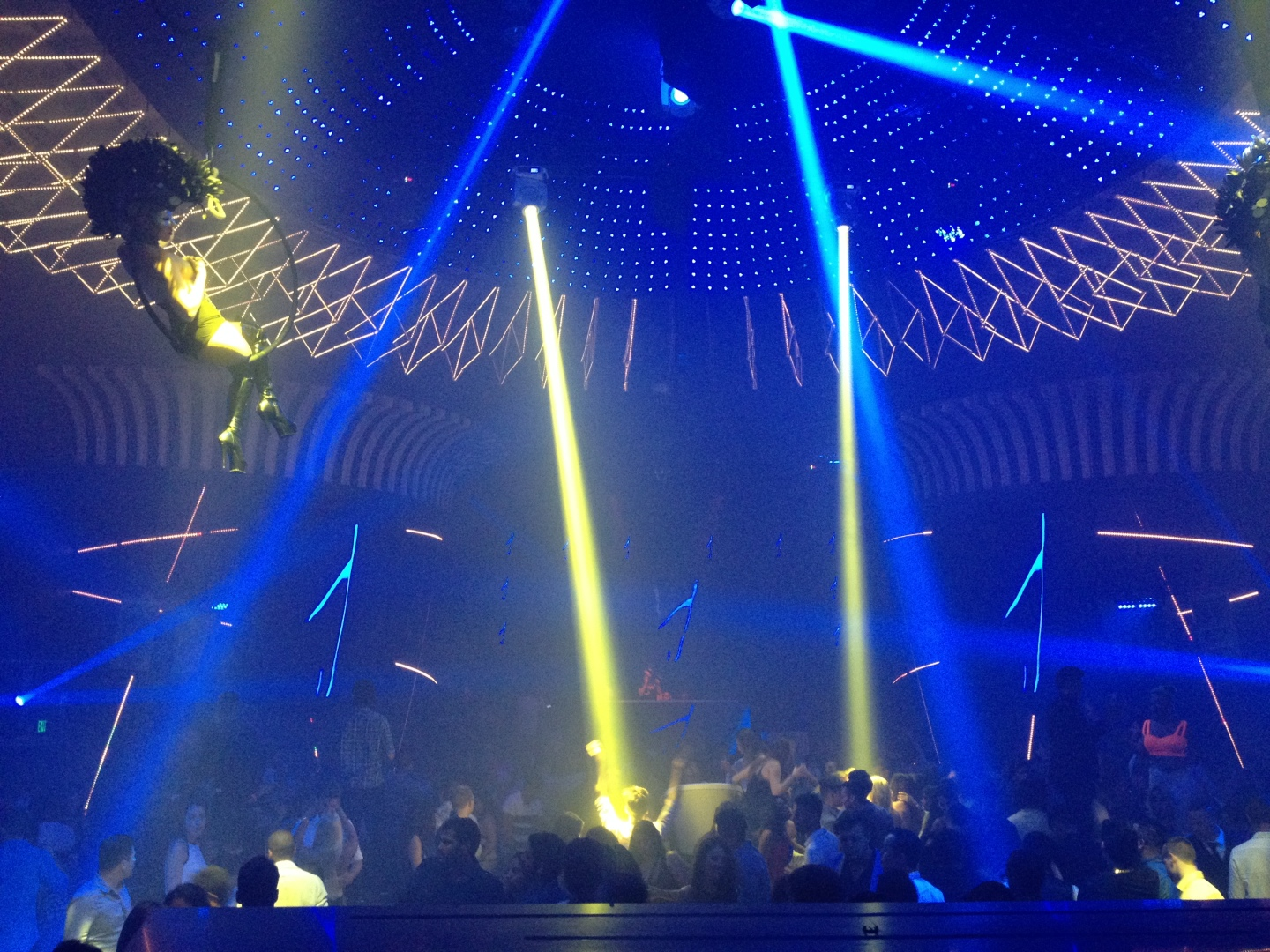 Relive Oliver Heldens' First Performance At Mansion Miami